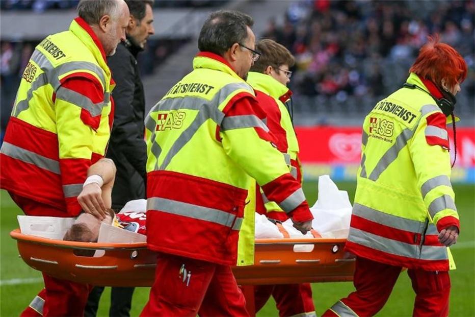 Kölner Czichos wird an der Halswirbelsäule operiert