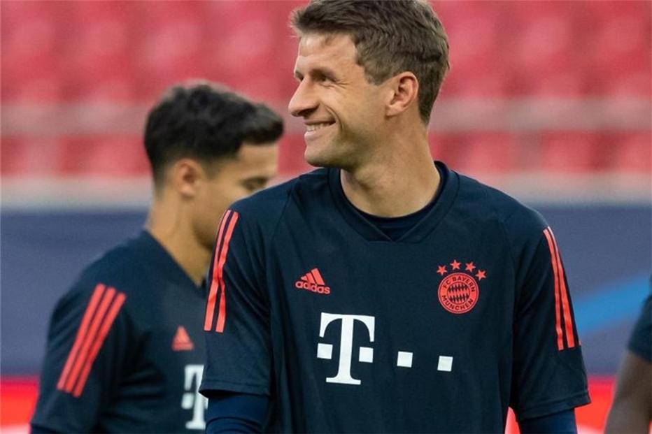 Piräus Gegen Bayern